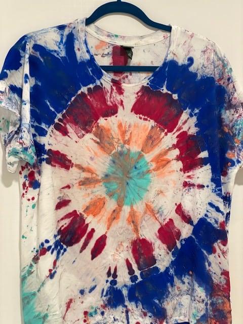 Tie-dye shirt Using Chalk Paint